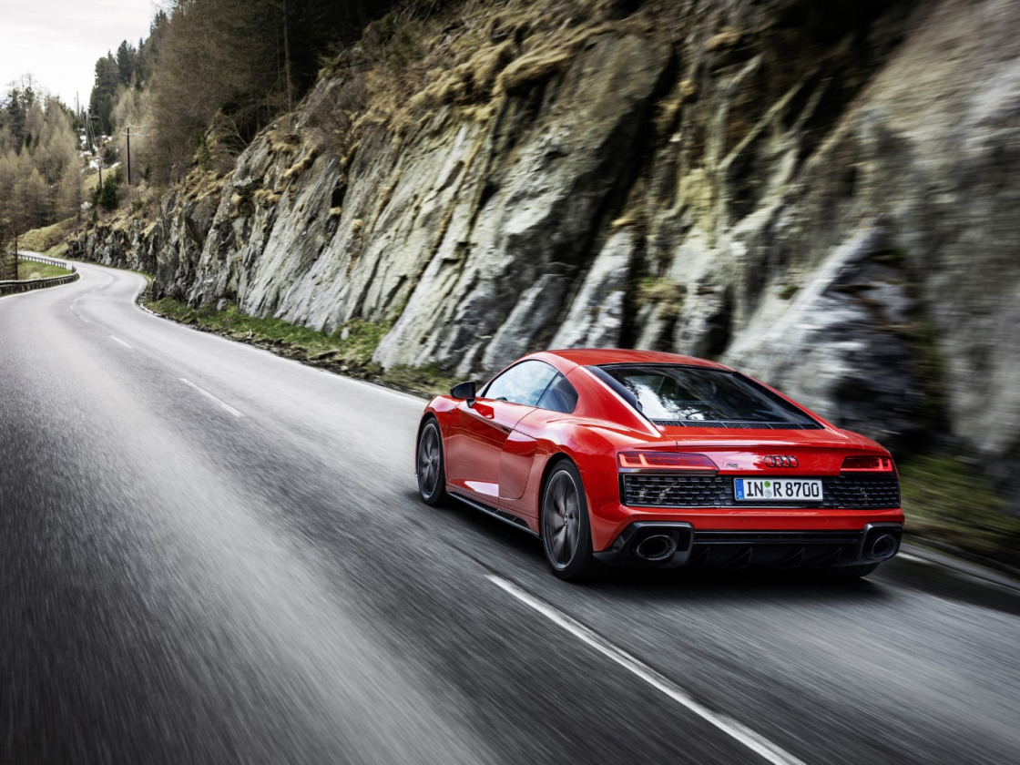 Audi R8 Performance RWD (8)