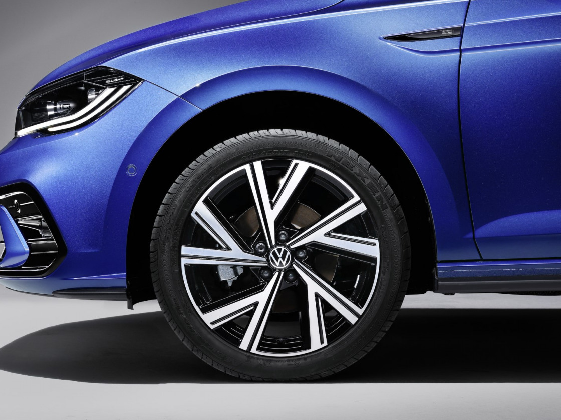 Volkswagen Polo R-Line 2021 facelift (11)