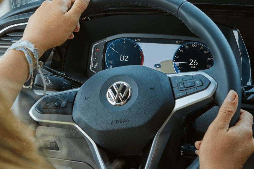s7g10_scene7_com-ca1384-vw-california-driving-comfort-3d-navigation-hfs.png