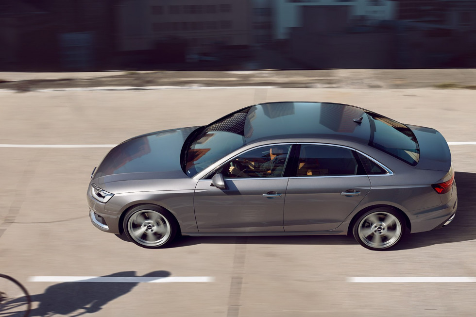 https://afejidzuen.cloudimg.io/crop/980x653/n/https://s3.eu-central-1.amazonaws.com/pouw-nl/09/201908-audi-a4-limousine-06.jpg?v=1-0