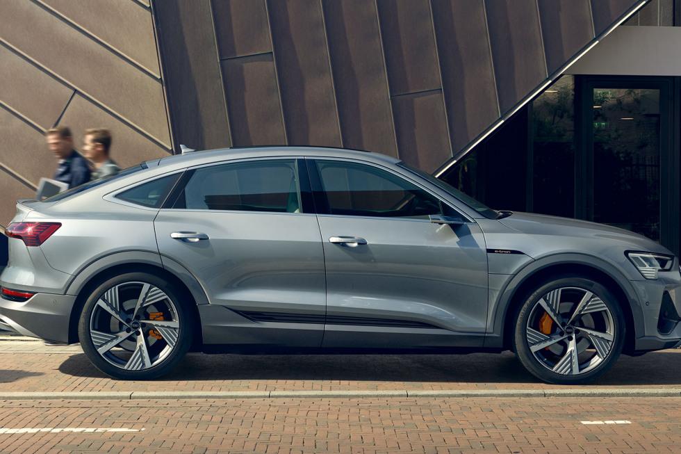 Audi e-tron 2020 (7)